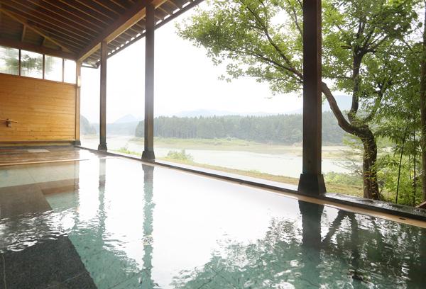 男性用の露天風呂からの眺望です