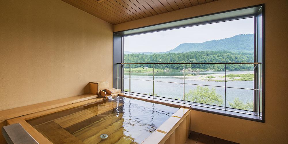 阿賀野川の異なる景色が見られる4つのお風呂
