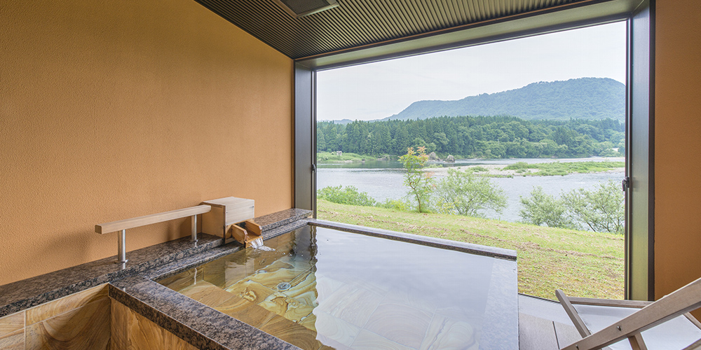 当館で最も阿賀野川を満喫できる露天風呂です。開放的な空間でぞんぶんに温泉を楽しんでくださいませ。